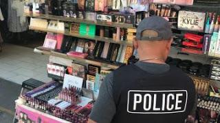 a 12 - Bahaya Menggunakan Make Up Palsu