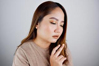 a 18 - Makeup Dengan Nuansa Warna